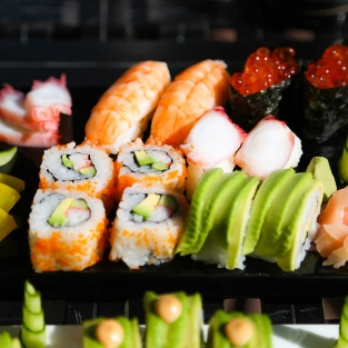 Plate with sushi rolls