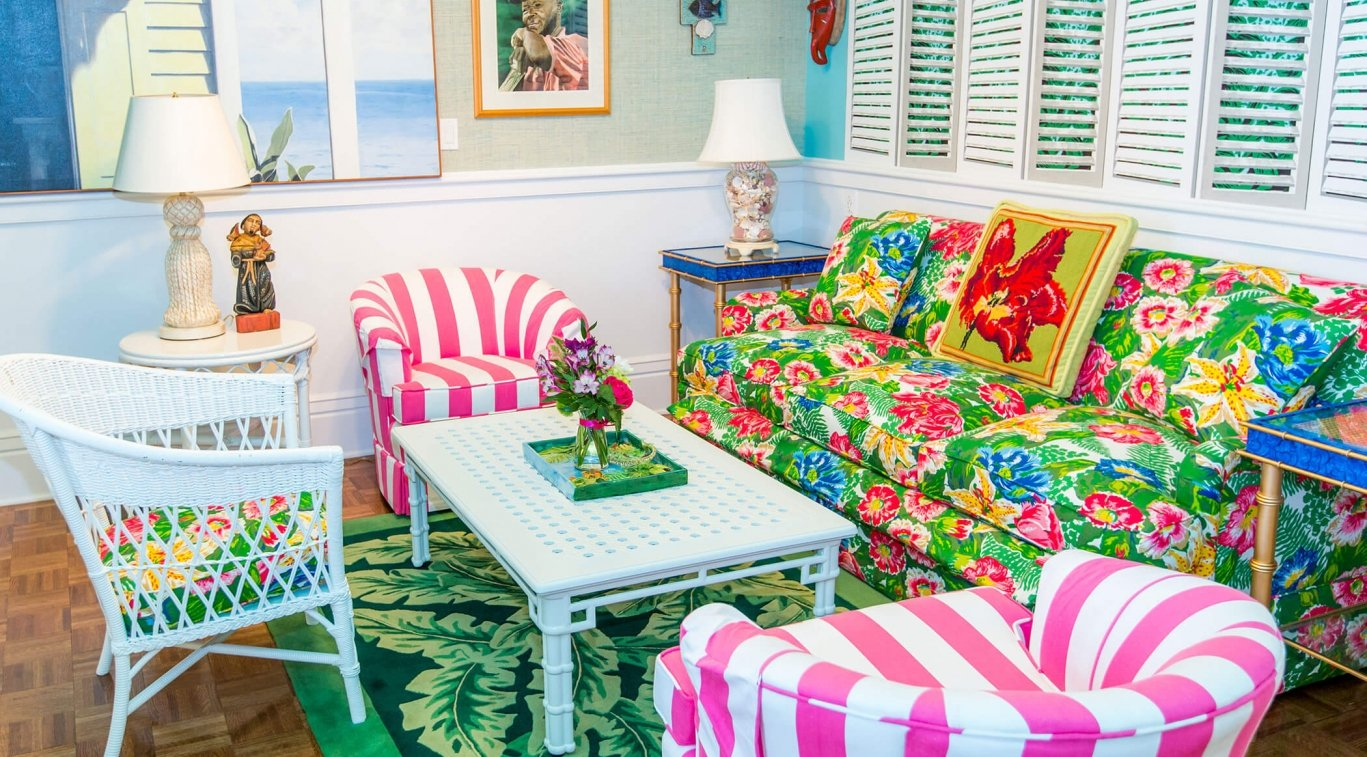 A colorful sitting room in Cupola Suite
