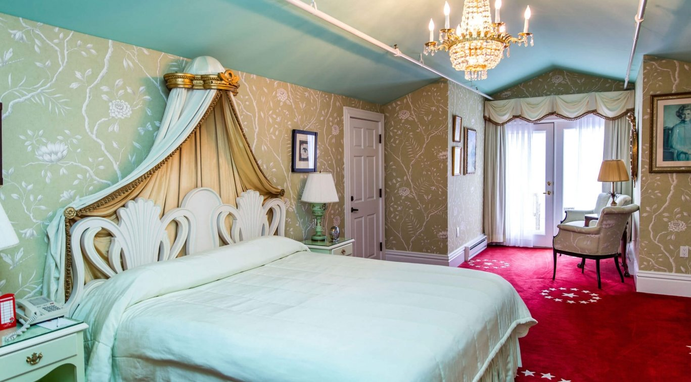 King Named Room with Balcony - Betty Ford Suite