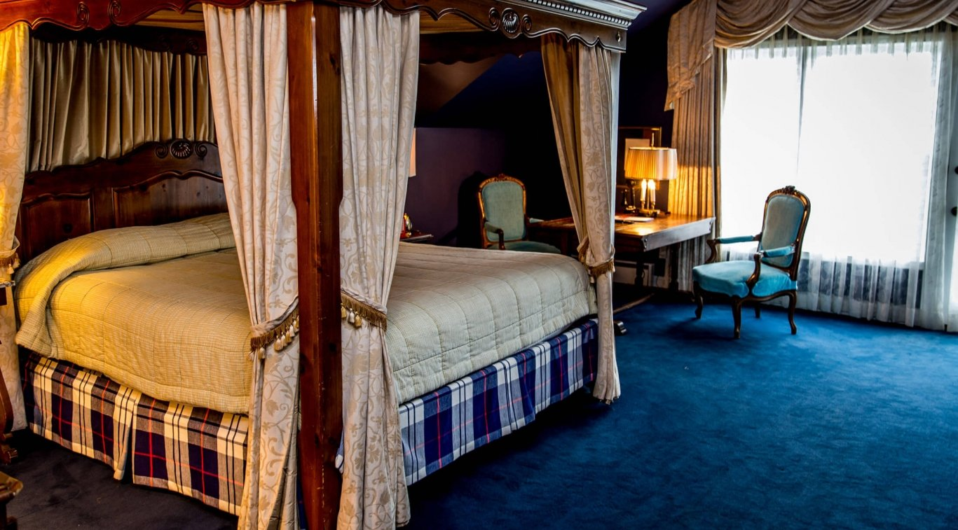 King Named Suites with balcony - Lord Astor Suite